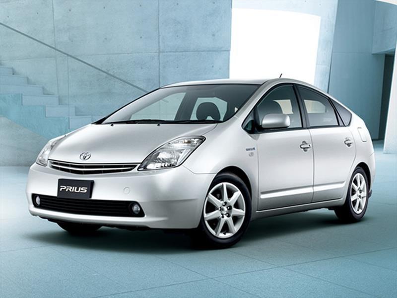 Toyota Prius, 2ª Generación