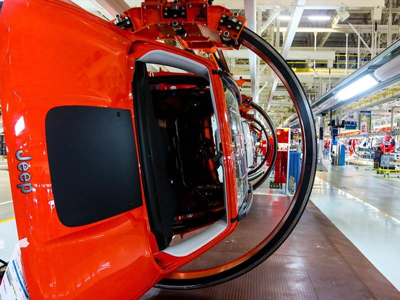 Jeep inaugura su fábrica en Brasil