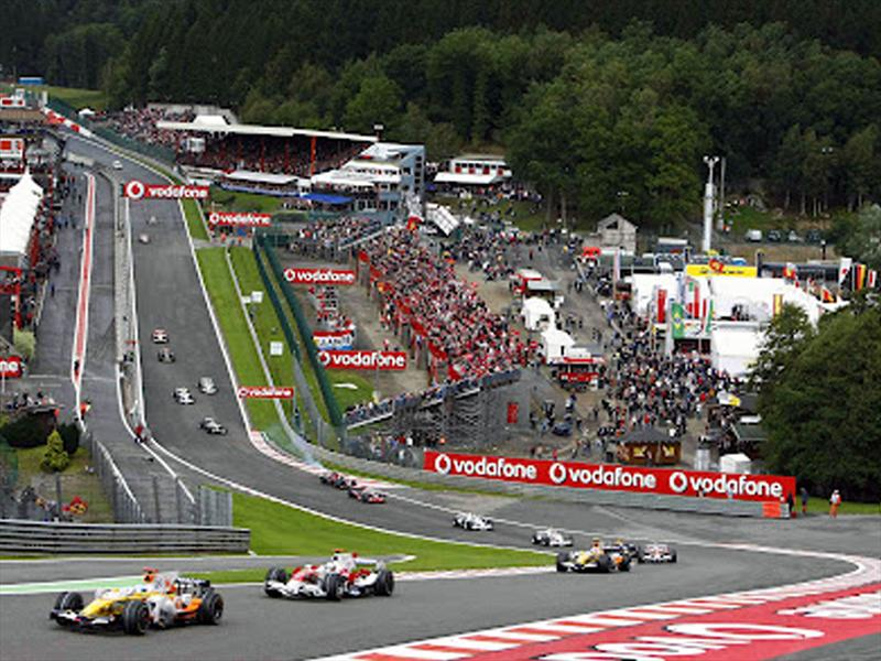 Top 10: Eau Rouge,  Bélgica