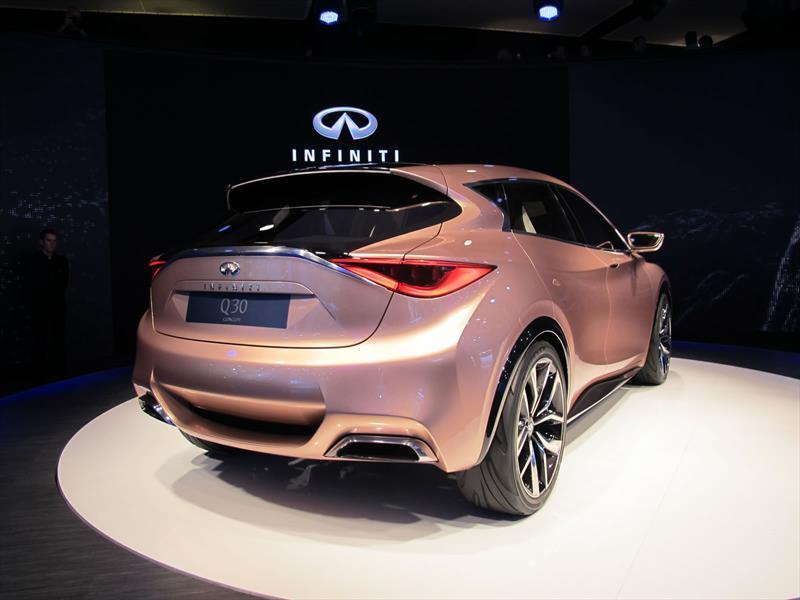 Infiniti Q30 Concept se presenta