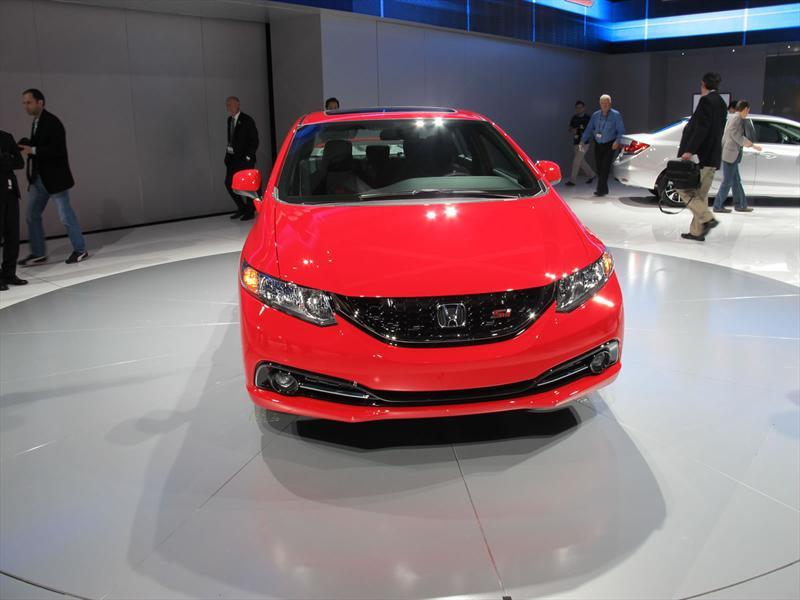 Honda Civic 2013 en el Salón de Los Angeles
