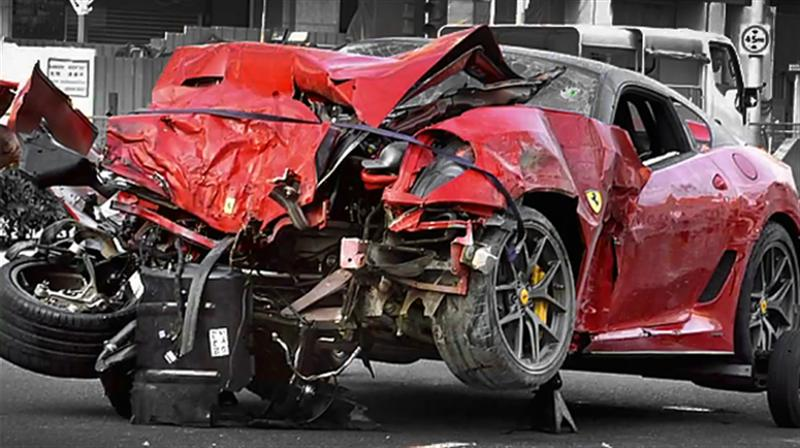 Choque fatal F599 GTO en Singapur