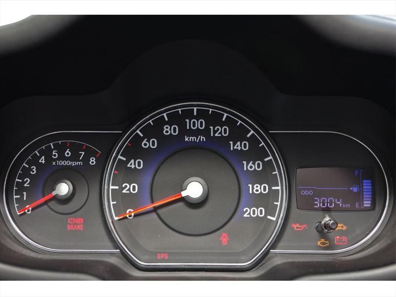 Dodge i10 GLS Premium 2012