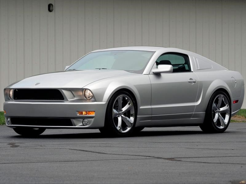 Mustang Iacocca 45th Anniversary Edition