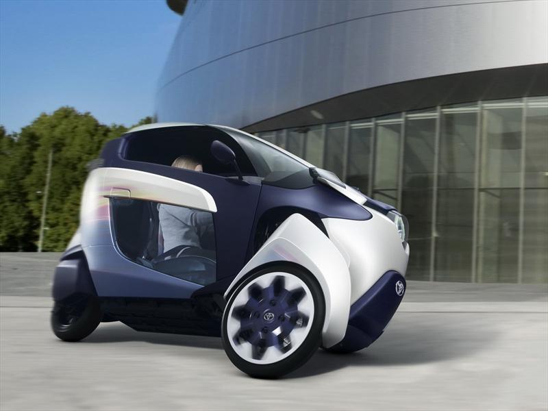 Toyota EV i-ROAD, movilidad urbana del futuro