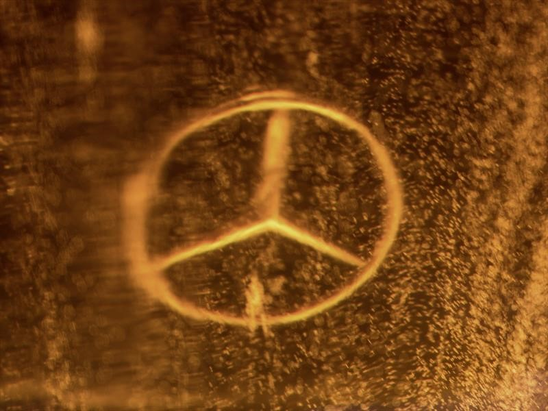 Mercedes-Benz Clase G cubierto de resina