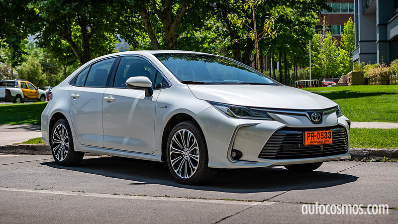 Test Drive Toyota Corolla Hybrid 2021