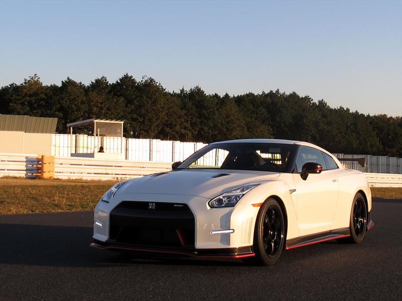 Nissan GT-R NISMO 2014, manejo en Japón