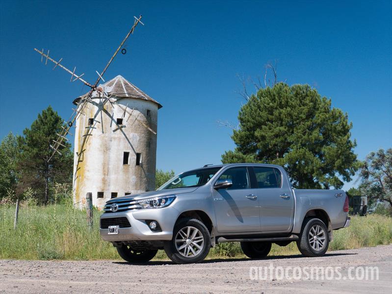 Nueva Toyota Hilux a prueba