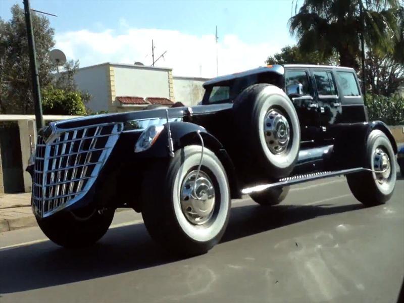 Jeep Wrangler convertido en espantomóvil