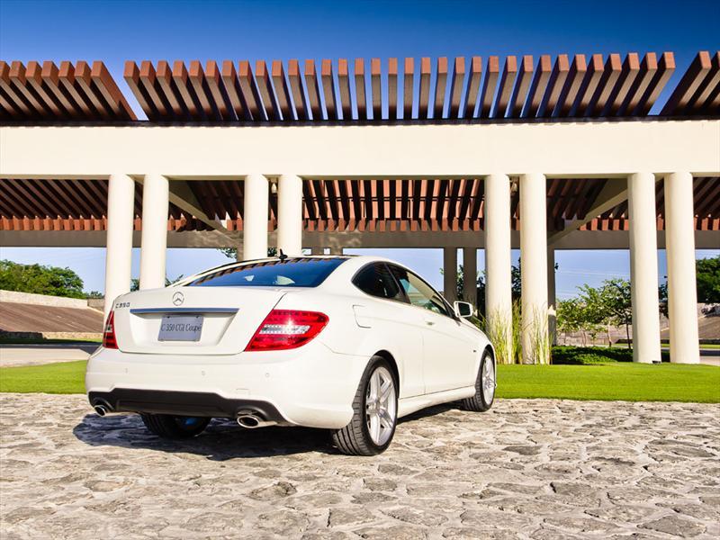 Mercedes-Benz C350 CGI Coupé 2012