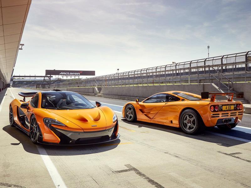 McLaren P1 y F1 en el circuito de Silverstone