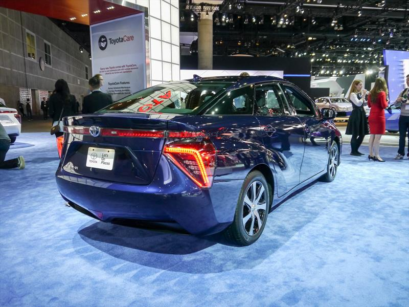 Toyota Mirai 2016