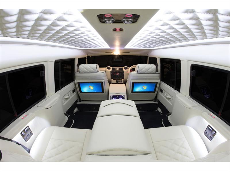 Interior de Land Rover Defender por Carisma Auto