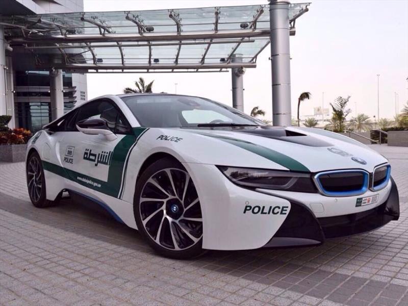 BMW i8 patrulla en Dubai
