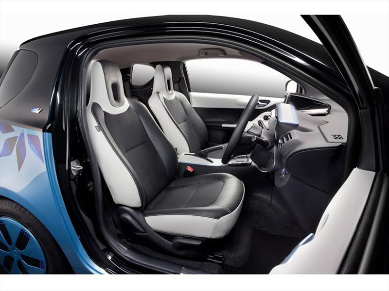 Toyota iQ FT-EV III Concept  Salón de Tokio 2011