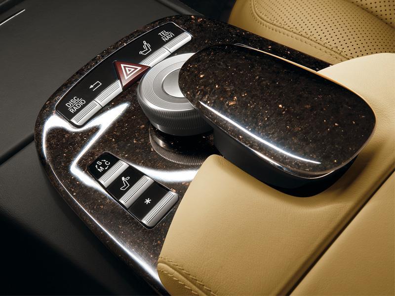Granito para el interior de Mercedes-Benz