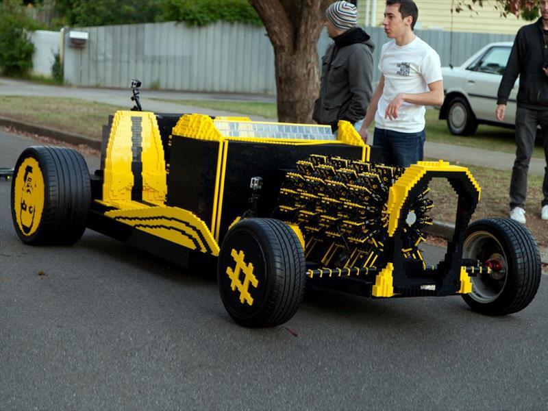 Un Hot Rod de Lego a escala real que funciona