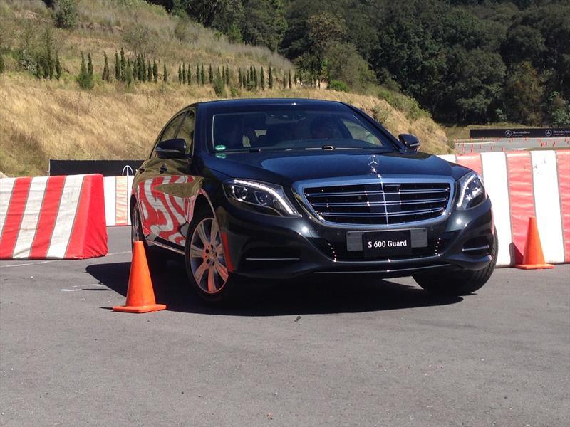Mercedes-Benz Guard 2015
