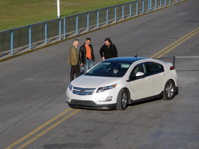 Chevrolet Volt en el autódromo en el de La Plata