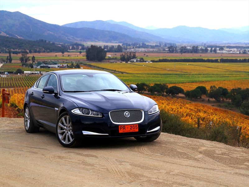 Jaguar XF y su nueva gama de motores para Chile