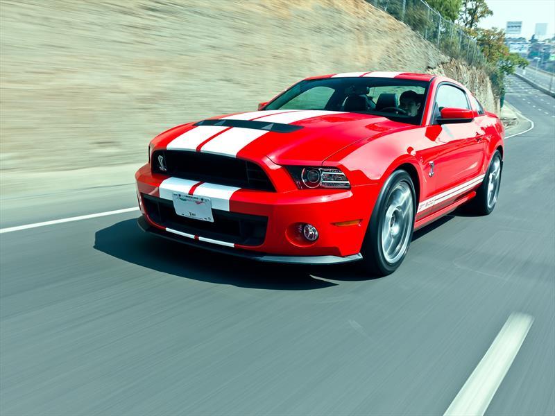 Mustang 50 años: 2013 el V8 más poderoso del mundo
