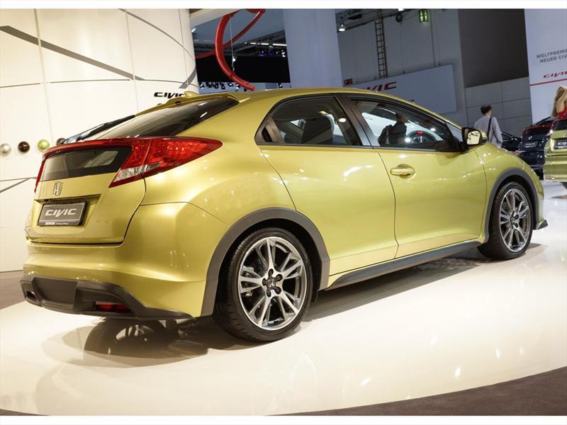 Honda Civic hatchback en Frankfurt 2011