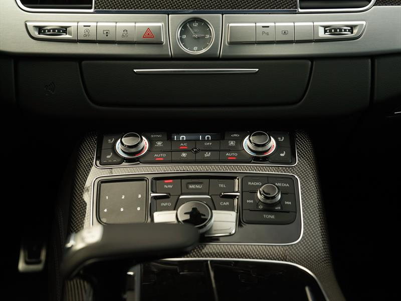 Audi S8 2014