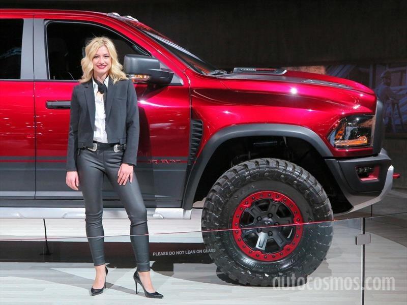 Las chicas del Auto Show de Detroit 2017