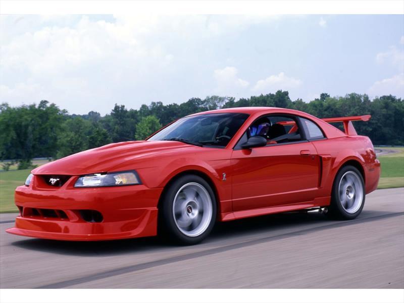 Mustang 50 años: 2000 el tercer SVT Cobra R