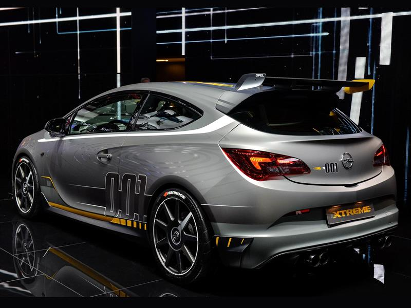 Opel Astra OPC Extreme o Vauxhall VXR Extreme