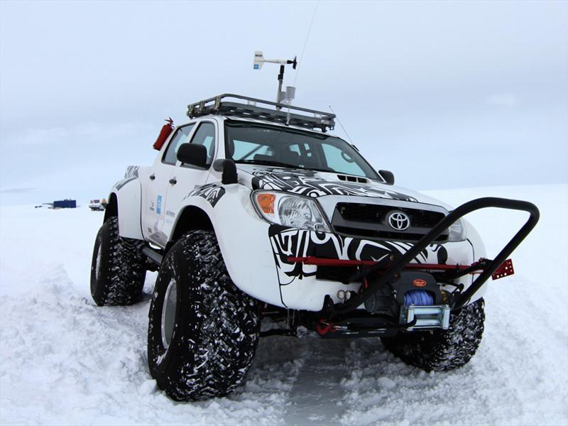 Toyota Hilux expedición Antártida