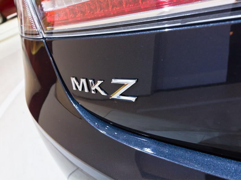 Lincoln MKZ 2013 en Nueva York 2012