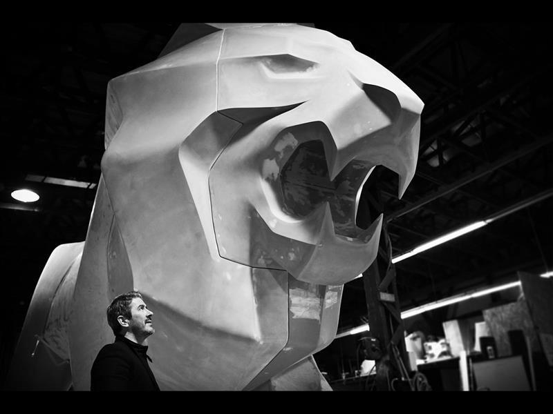 Escultura de Peugeot en Ginebra