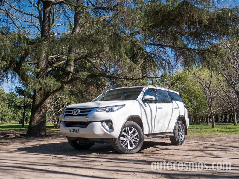 Nueva Toyota SW4 a prueba