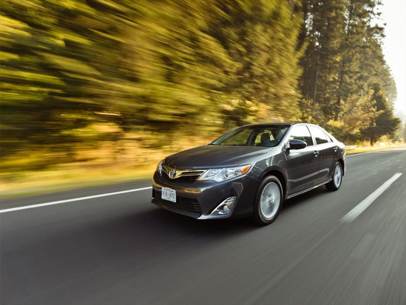 Toyota Camry V6 2012 prueba