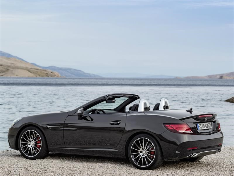 Mercedes-Benz AMG SLC 43