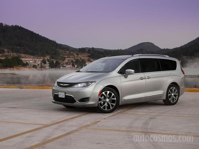 Chrysler Pacifica 2017
