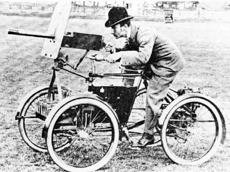 Motor War Car