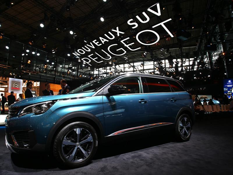 Peugeot 5008 en París