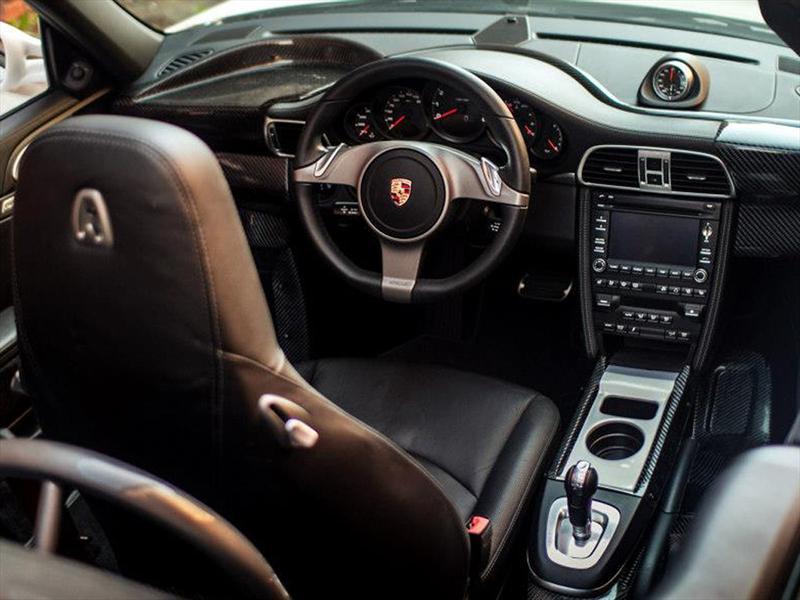 Porsche 911 con butaca central