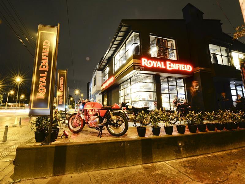 Royal Enfield se toma Bogotá
