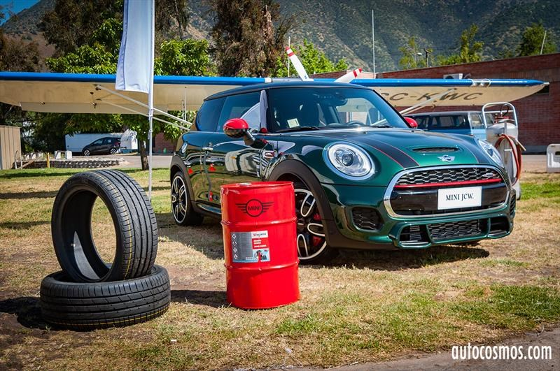 Mini Driving Experience 2017