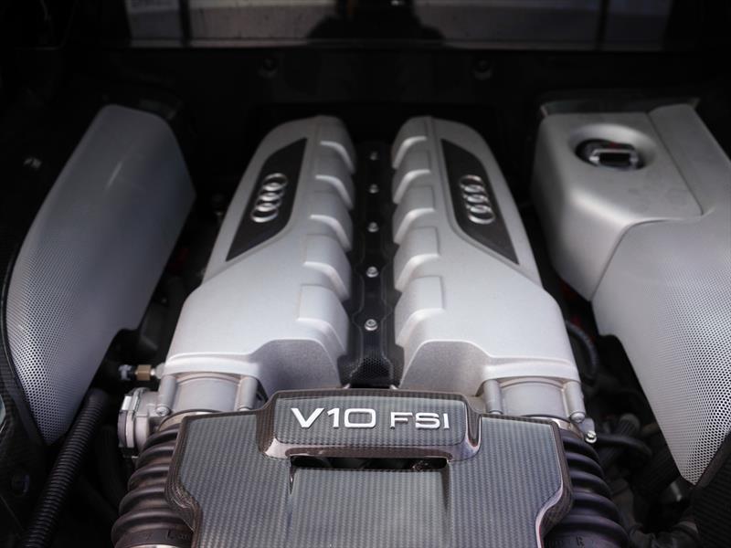 Audi R8 V10 Plus 2014
