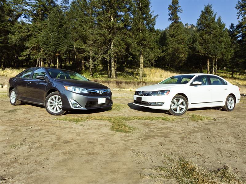 Volkswagen Passat V6 2012 vs Toyota Camry V6 2012