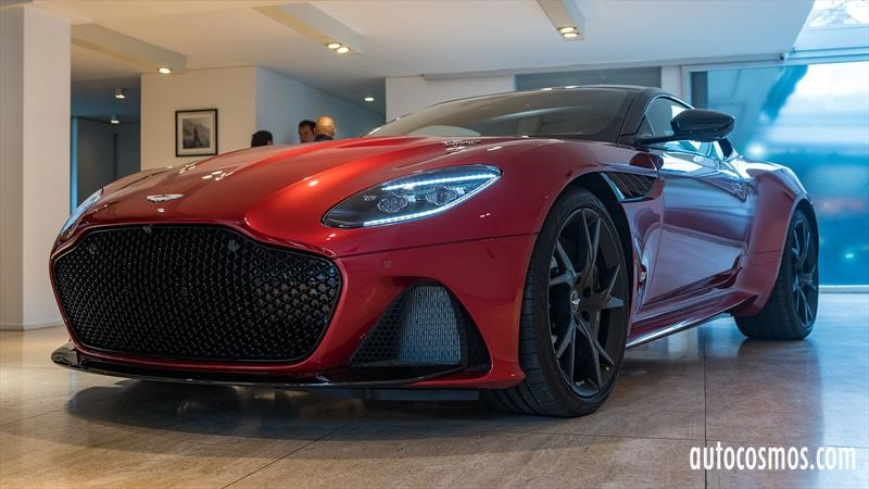 Aston Martin DBS Superleggera 2019 en Chile