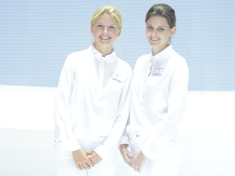 Las chicas del Salón de Frankfurt 2015