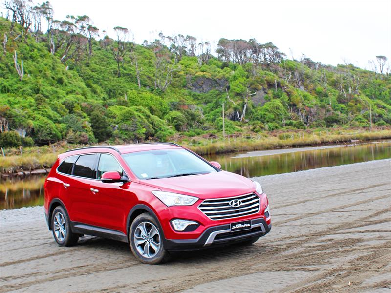 Hyundai Santa Fe espiado en México