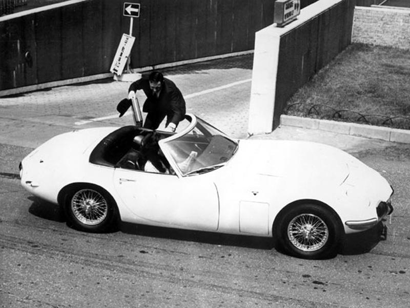 Top 10: Toyota 2000 GT de James Bond