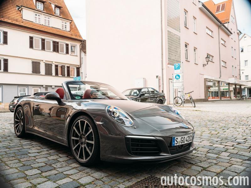 Porsche 911 Carrera 4 Cabriolet 2017